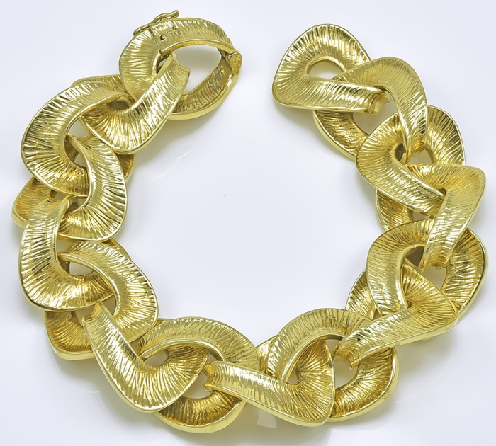 Tiffany & Co. Gorgeous Bold Gold Link Bracelet